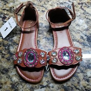 NWT- SANDALS